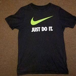 Nike black T-shirt size kids xl